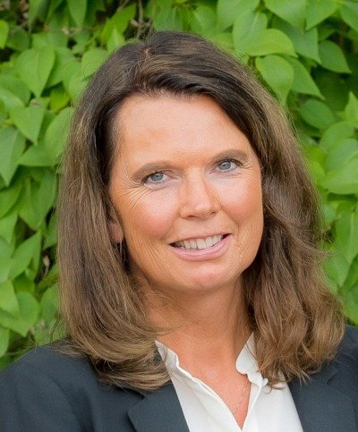 <p>Christina Eklund<br> Fastighetsmäklare<br> 070-590 38 24